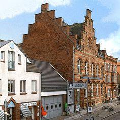'Schifffahrtsmuseum Nordfriesland in Husum' von Dirk h. Wendt bei artflakes.com als Poster oder Kunstdruck $18.03