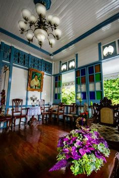 Filipino ancestral home Philippine Architecture, Filipino Architecture, Colonial Architecture, Filipino Interior Design, Home Interior Design, Interior And Exterior, Tropical Interior, Modern Tropical, Filipino House