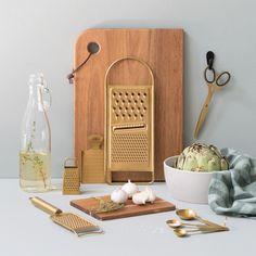 """7,622 Synes godt om, 102 kommentarer – Søstrene Grene (@sostrenegrene) på Instagram: """"In stores now // Create a wonderful colour harmony in your kitchen. Brazen kitchen utensils, prices…"""""""