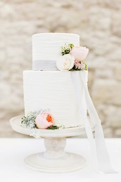 Fabulous Floral Wedding Cake for Spring