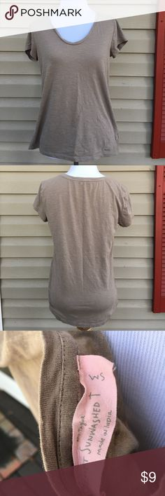 Loft AnnTaylor women's shirt Loft sun washed T 100% cotton no stains or holes LOFT Tops Tees - Short Sleeve