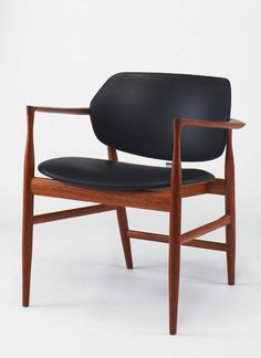 Ib Kofod-Larsen writing chair