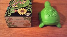 $10.00  AVON vintage 1968 TIC TOC TURTLE DECANTER with box