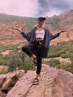Fashion Tips Outfits .Fashion Tips Outfits Cute Hiking Outfit, Summer Hiking Outfit, Camping Outfits For Women Summer, Cute Camping Outfits, Womens Hiking Outfits, Hiking Dress, Summer Pants, Summer Girls, Outfit Vestidos