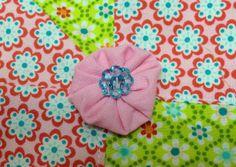 Blütenschönheit aus Stoff und Knöpfen Swafing Stoffe und Union Knopf Knöpfe. Einfach toll diese Farben http://naehoma-moni.blogspot.de/2014/02/blutenschonheit-aus-stoff-und-knopfen.html