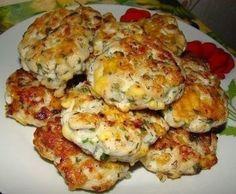 Ингредиенты:  2 средних куриных филе  100 грамм кефира (либо 2-3 ложки майонеза)  100 грамм сыра  2-3 ст.л. крахмала  1 маленькая луков...