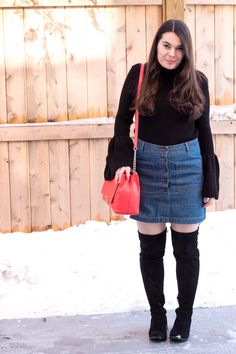 I love this outfit because it perfectly transitions this cute denim skirt from Winter to Spring. Click the pin to see more details at My Sweet Genevieve.| Young Mom Style | Mom Fashion | Spring Style | Winter Style