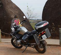 BMW - nas montanhas em sua primeira viagem a caminho de Goiás.by Stallone