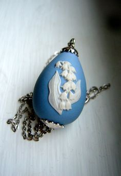 Vintage Wedgwood Blue Jasperware Easter Egg Lily of the Valley Pendant Necklace