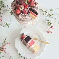 Let them eat cake.. Our photography workshop is being taught by Leanne who not only took this image but styled it too and she will be teaching you how to do the same.. #photography #cake #dtllworkshops