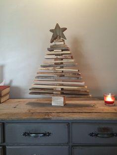 Pallet Wood Christmas Tree Spaced Out by TreasureValleyLumber