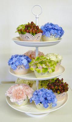 Flower cakes www.thepetalboutique.co.uk