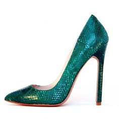 Gilda Emerald Snake (€295) ❤ liked on Polyvore featuring shoes, heels, snake shoes and emerald shoes
