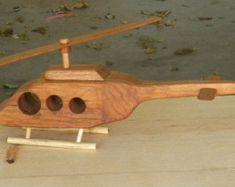 Camión juguete maderaRecuerdo hecho a mano por grandpacharlieswkshp