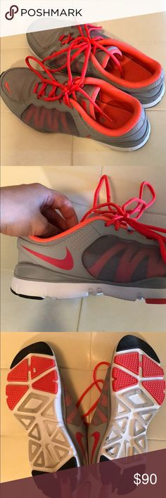 Nike Sneakers 👟 Awesome Nike sneakers 👟 with gray and bright coral color. Worn once and in perfect condition! Nike Shoes Sneakers