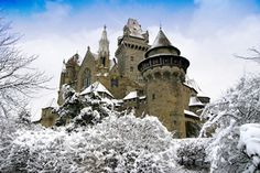 Kruezenstein Castle in Leobendorf, Austria. Visit Austria, Beautiful Castles, Exotic Places, Central Europe, Winter Travel, Palaces, Alps, Winter Wonderland, Barcelona Cathedral