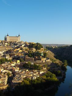 Another lovely view of Toledo, a must visit and UNESCO Heritage Site. Close To Home, 20 Years Old, Heritage Site, Old World, Paris Skyline, Around The Worlds, River, Adventure, Outdoor