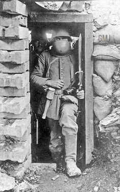 Imperial German soldier in the trenches of World War Ww1 History, Military History, German Soldiers Ww2, German Army, World War One, First World, War Dogs, War Photography, Dieselpunk