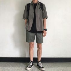 Stylish Mens Outfits, Cool Outfits, Casual Outfits, Fashion Outfits, Aesthetic Fashion, Aesthetic Clothes, Korean Fashion Men, Mens Clothing Styles, Short Outfits