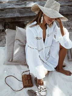 Bikini Cover Up Lace Hollow Crochet Swimsuit Beach Dress Women 2018 Summer Ladies Cover-Ups Bathing Suit Beach Wear Tunic Trendy Outfits, Summer Outfits, Dress Summer, Summer Hats, Long Sleeve Bikini, Bohemian Summer Dresses, Mode Ootd, Look Fashion, Womens Fashion