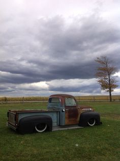 Brought to you by Smart-e 53 Chevy Truck, 1951 Ford Truck, Old Ford Trucks, Pick Up, Classic Trucks, Classic Cars, Old Ford Pickups, Shop Truck, Old Fords