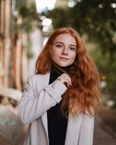 julia adamenko - Google 検索 Beautiful Red Hair, Beautiful Redhead, Ginger Jokes, Red Hair Blue Eyes, Natural Red Hair, Red Hair Woman, Red Hair Don't Care, Girls With Red Hair, Unique Hairstyles
