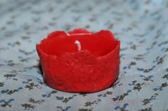 Candelă Lampyris- lumânare cu aromă de fructe de pădure turnată în suport handmade din sare
