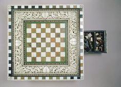 Chess board, 15th century (ivory), Italian School, (15th century) / Ashmolean Museum, University of Oxford, UK / The Bridgeman Art Library