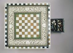 Chess board, 15th century (ivory), Italian School, (15th century) / Ashmolean Museum, University of Oxford, UK / The Bridgeman Art Library