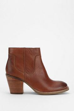 The Perfect Brown Ankle Boots from my favorite brand- Seychelles Crazy For You Ankle Boot