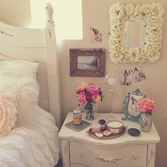 Vintage_Love the roses around the mirror. I have lots of dried roses, just waiting for a project! I think I found my re-purpose!