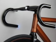 Helios handlebars add LED blinkers, GPS and more to any bike (hands-on)