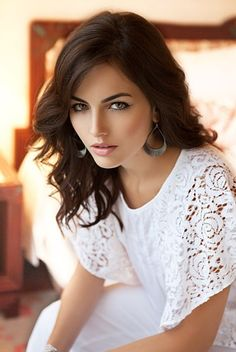 The ultra gorgeous Camilla Belle - beautiful hooded eyes Camilla Belle, Beautiful Eyes, Most Beautiful Women, Beautiful People, Gorgeous Hair, Absolutely Gorgeous, Brunette Beauty, Hair Beauty, Woman Face