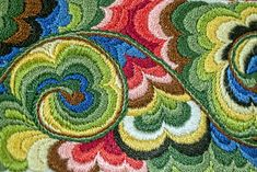 Indian Embroidery, Crewel Embroidery, Hand Embroidery Designs, Scandinavian Embroidery, Costumes Around The World, Russian Folk Art, Quilt Stitching, Chain Stitch, Traditional Outfits