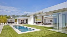 House in Beverly Hills by McClean Design