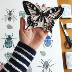 My 200K celebration sale is now on and there is one of these large bug prints available. Its 40% off selected handprinted pictures, cards and a few Giclee prints. Link in bio. Have a lovely Friday! #viktoriaastrom #etsyshop #etsysale
