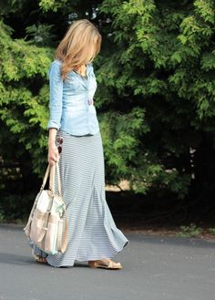 Chambray blouse and striped maxi skirt. This is a great pairing for spring! Long Skirt Outfits, Maxi Outfits, Modest Outfits, Cute Outfits, Work Fashion, Modest Fashion, Skirt Fashion, Fashion Fashion, Mode Apostolic