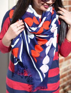 another way to wear an oblong scarf - good, simple video tutorial at link