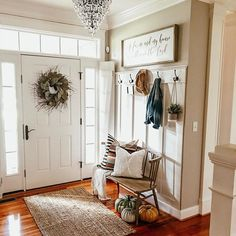 Creative Ideas for Small Entryway Bench Simple entryway corner bench Small Entryway Bench, Entryway Bench Storage, Rustic Entryway, Small Bench, Modern Entryway, Entryway Decor, Entryway Ideas, Entryway Bench Modern, Entrance Decor