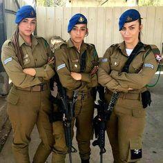 Idf Women, Military Women, Mädchen In Uniform, Israeli Girls, Leder Outfits, Brave Women, Military Girl, Military Police, Female Soldier
