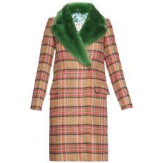Shrimps Smith tartan-check and faux-fur coat (2.060.690 COP) ❤ liked on Polyvore featuring outerwear, coats, fur, jackets, multi, pastel coat, plaid coat, emerald green coat, fake fur coats and beige coat