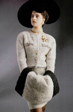 Chanel Haute Couture- A/W White and gray tweed jacket and skirt suit with a matching sleeve trimmed in astrakhan fur. Chanel Outfit, Chanel Fashion, Chanel Jacket, Chanel Dress, Vintage Couture, Vintage Chanel, Fashion Week, 90s Fashion, Vintage Outfits