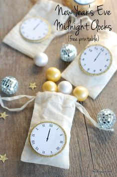 2015 New Years Eve Midnight Gilt-edged Printable Clock Bags - Clock Craft, Silver Balls  #2015 #new #year