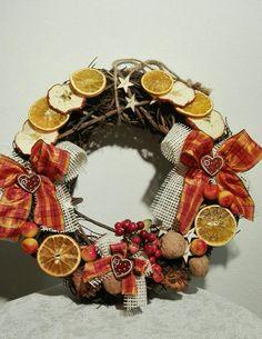 Věnec na dveře Christmas Wreaths, Holiday Decor, Fall, Home Decor, Autumn, Decoration Home, Fall Season, Room Decor, Home Interior Design