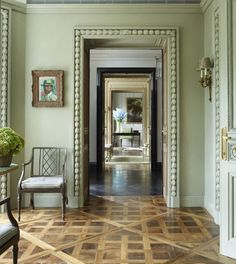 The Foo Dog Ate My Homework Nicky Haslam in England. The parquet floors, the enfilade, the thick relief moulding. Architecture Details, Interior Architecture, Interior And Exterior, Style At Home, Autumn Inspiration, Interior Inspiration, Classic Interior, Beautiful Interiors, Interiores Design