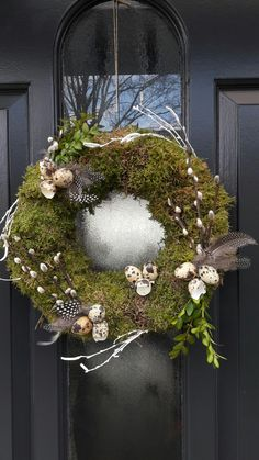 Newest Pictures Spring Wreath indoor Popular Locate a basic precisely how to assist regarding wreath generating and make a beautiful wild spring Diy Spring Wreath, Spring Door Wreaths, Easter Wreaths, Diy Wreath, Christmas Wreaths, Christmas Decorations, Holiday Decor, Easter Garland, Valentine Decorations