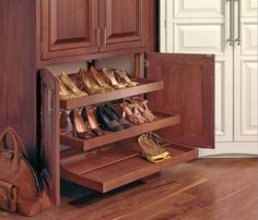 Rak-sepatu-lemari-kayu.jpg 600×514 píxeles