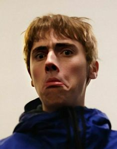 Gene Gallagher, Lennon Gallagher, Liam Gallagher Oasis, Reaction Pictures, Cute Boys, Grunge, Celebrity, People, Cute Teenage Boys