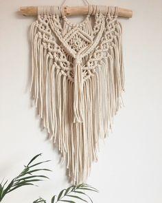 DIY Macrame Wall Hanging Tapestry Tapestry Wall Hanging, Wall Hangings, Boho Diy, Macrame, Crochet, Design, Fashion, Macrame Patterns, Moda