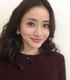 151010 Satomi nervous and excited by upcoming broadcast of From 5 to 9 at JST on Mon 12 Oct and asks fans to look forward to it She also likes the theme song provided by back. Viria, Japanese Models, Japanese Girl, Beautiful Person, Beautiful Women, Satomi Ishihara, Beauty Around The World, Asian Cute, Kawaii Girl